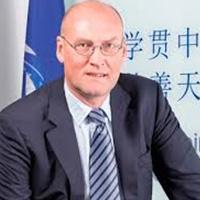 Prof. Ewout van der Schaft
